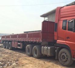 双驱六轴13米平板直板车,车厢内部尺寸:长12.8米*宽2.3米